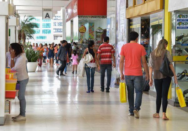 Justiça autoriza abertura do comércio no feriado desta sexta-feira (15)