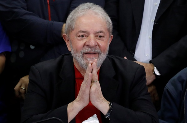 Denúncia contra Lula, por invasão em tríplex no Guarujá, é rejeitada
