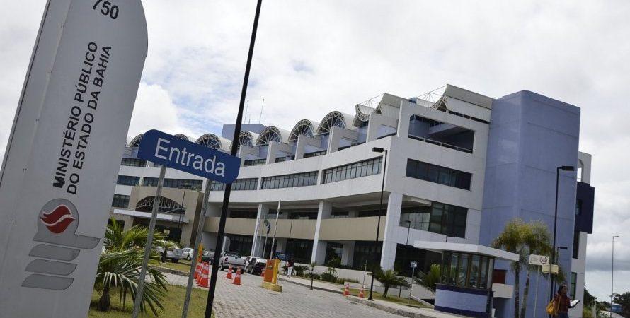 Enfermeira é acusada de acumular ilegalmente cargos públicos em 3 municípios