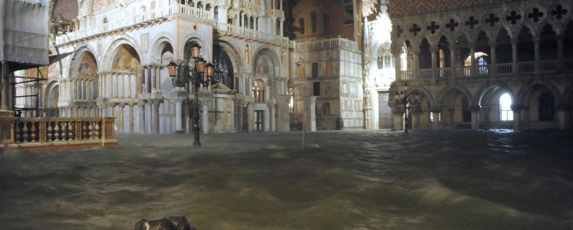 Nível de água começa a baixar em Veneza após novo dia de inundação