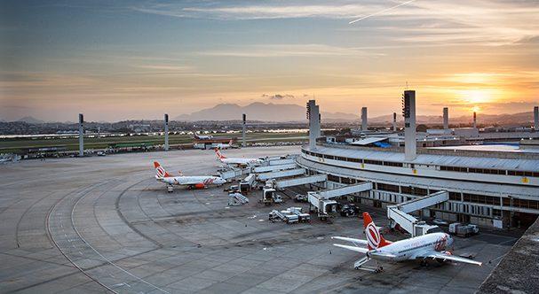 Receita apreende 95 kg de cabelo humano e sintético em aeroporto no Rio