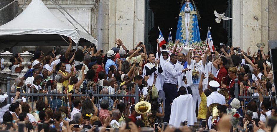 Festa da 'Padroeira da Bahia' terá ônibus extras e Elevador Lacerda gratuito no domingo (8)