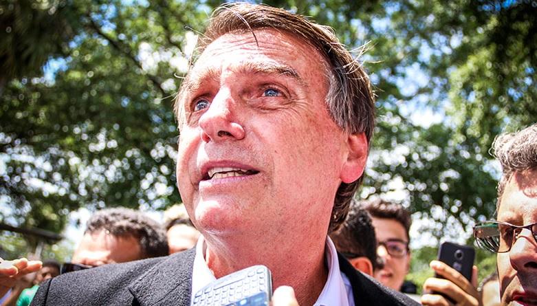 Pesquisa Datafolha: 42% dos brasileiros desaprovam atitude de Bolsonaro ao lidar com a crise do óleo
