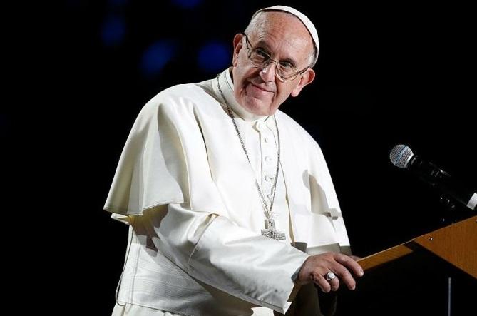 Após denúncias de abusos sexuais, Papa nomeia novo arcebispo no Chile