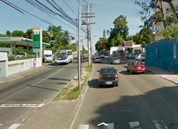 Salvador: motociclista fica ferido após batida com carro no bairro do Cabula