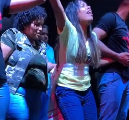 'Você acredita em MILAGRES?': em vídeos divulgados por igreja camaçariense cadeirante aparece andando