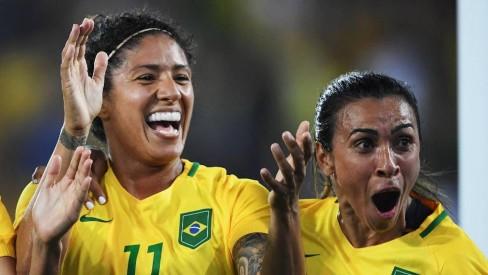Futebol feminino: Santos encaminha contratação de craque da Seleção Brasileira