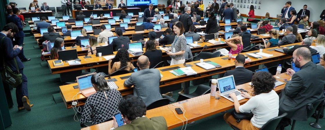 MDB, PDT e Republicanos divergem sobre acordo e reivindicam presidência da CCJ