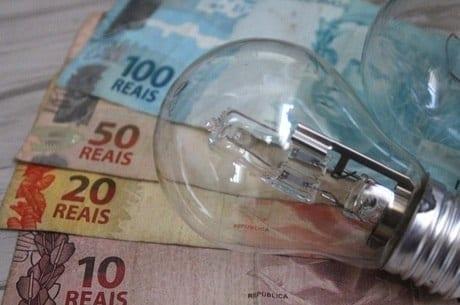 Medida provisória que isenta consumidor pobre de pagar conta de luz é publicada