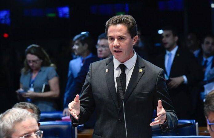 Senador Veneziano Vital, PSB/PB, repudia atitude de Bolsonaro convocando população para ato contra democracia
