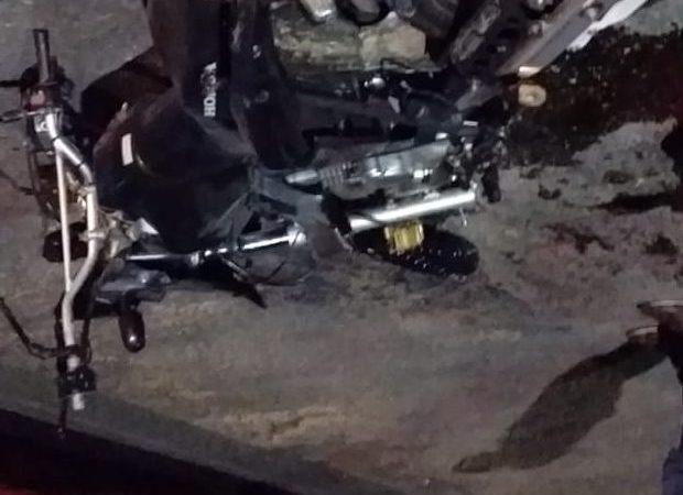 Grave acidente envolvendo motocicletas deixa dois mortos em Candeias