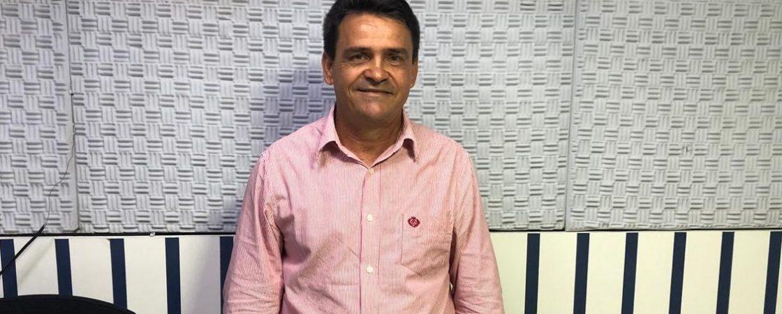"""""""Acho que hoje o melhor para Simões Filho é Dinha"""", diz Pedro da Kombi"""