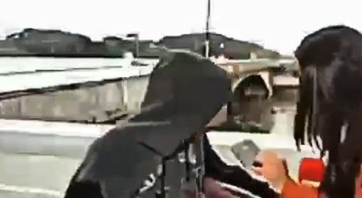 Vídeo: durante reportagem ao vivo, neste sábado (27), repórter da CNN Brasil é assaltada