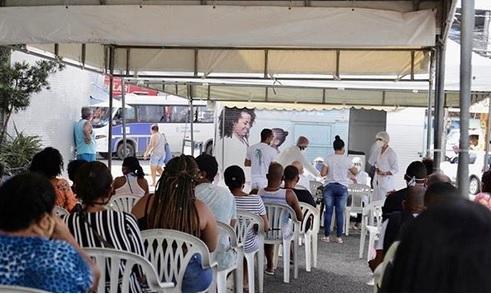 Bloqueio sanitário: testes rápidos em 2 bairros de Lauro de Freitas detectam 111 casos da Covid-19