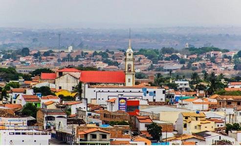 Na Bahia, prefeitura de Serrinha também decreta 'toque de recolher'