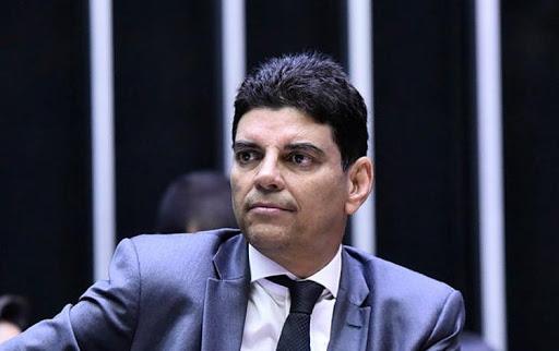 """""""Penso que a tendência vai ser manter as eleições"""", diz Cláudio Cajado sobre votação"""