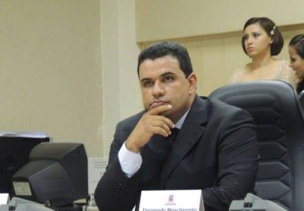 """URGENTE: """"se acontecer alguma coisa com a vida do vereador Fernando Calmon que investigue, Pitágoras e sua esposa Soraia"""" desabafa vereador"""