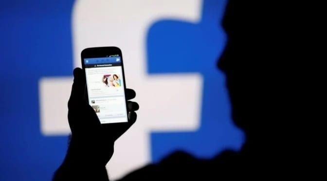 Facebook emite nota informando que bloqueou  contas de bolsonaristas investigados em todo o mundo