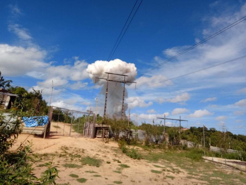 Veja vídeos: fábrica de fogos explode em Simões Filho - BAHIA NO AR