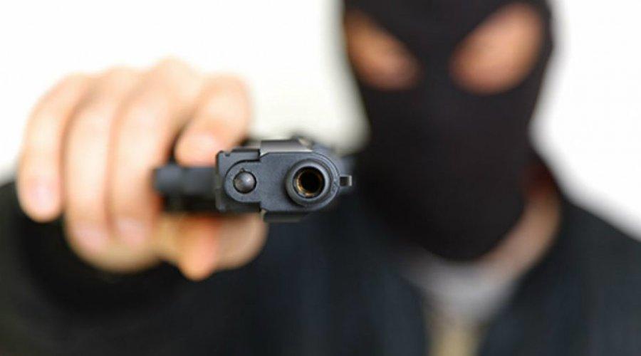 """Assaltantes fazem """"arrastão"""" em ponto de ônibus em Vila de ..."""